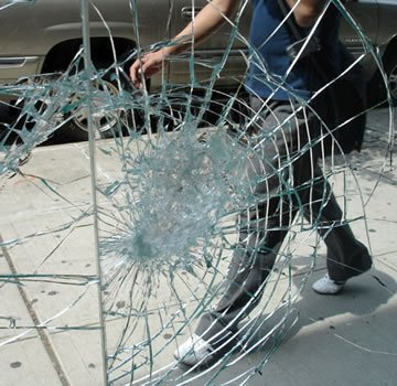 broken-glass-auckland